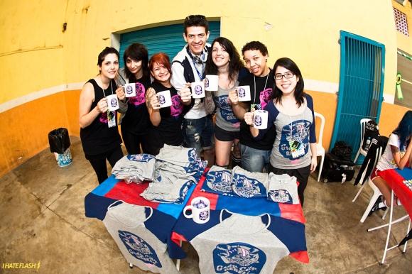 gary city rebels vendendo camisetas e canecas da liga no Brasileirão